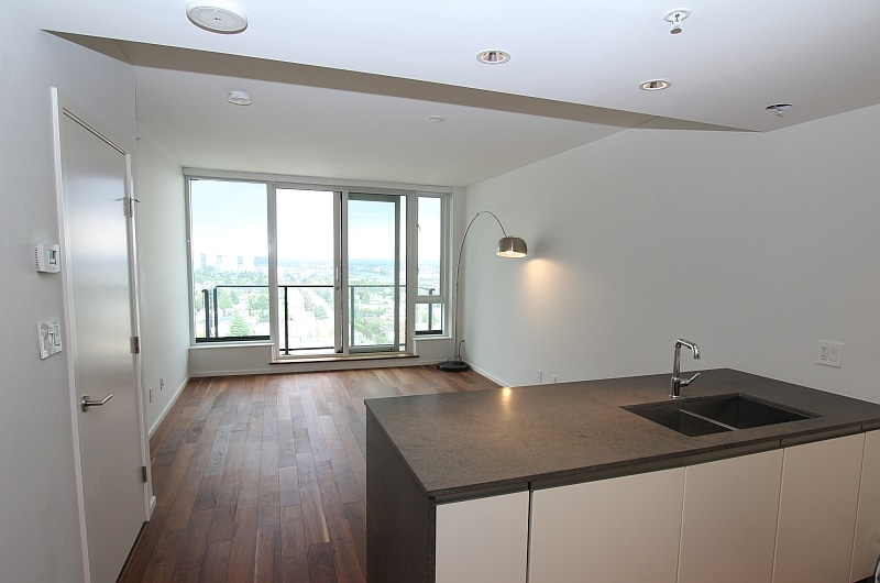 [FOR RENT]180' Breathtaking view! Luxurious Condo in Vancouver Marpole (Granville At 70th)